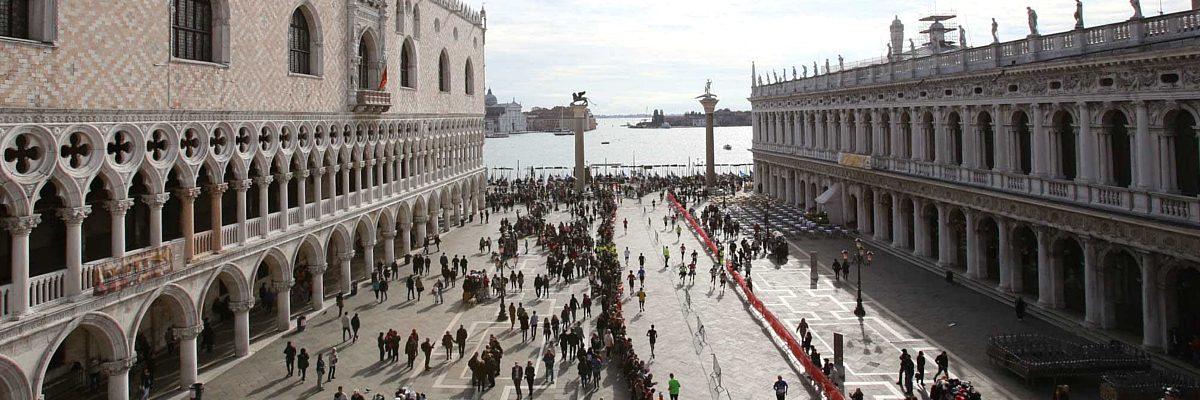 Maratona di Venezia, la solidarietà corre con Alex Zanardi e Giusy Versace