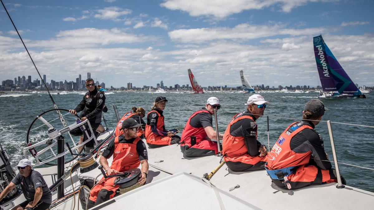 Volvo Ocean Race, partenza tirata da Melbourne: rotta su Hong Kong